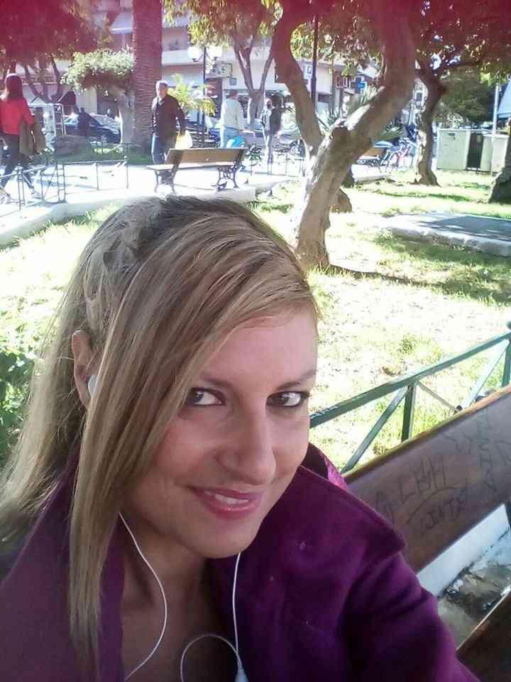 Ιωάννα Περκολαράκη – Ιδιωτική Υπάλληλος